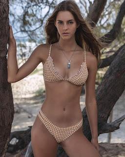 emily feld in cute bikini 2