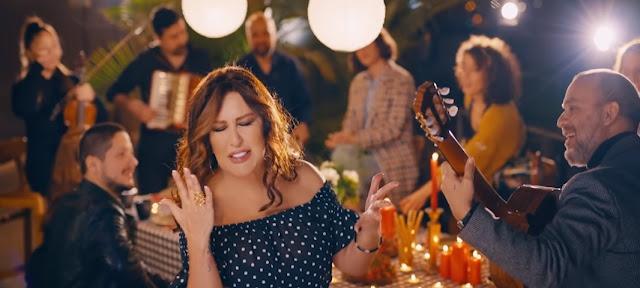 """La cantante turca copia la famosa canzone Arbëresh """"Lule-Lule"""""""