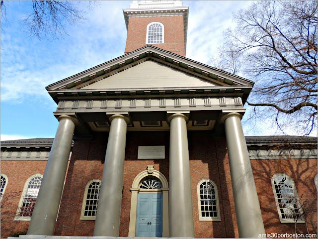 Memorial Church en el Campus Principal de la Universidad de Harvard