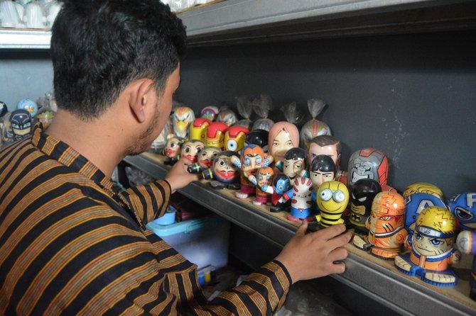 Bikin Boneka dari Limbah Kayu, Pemuda Ini Raup Untung Rp 10 Juta Per Bulan, naviri.org, Naviri Magazine, naviri
