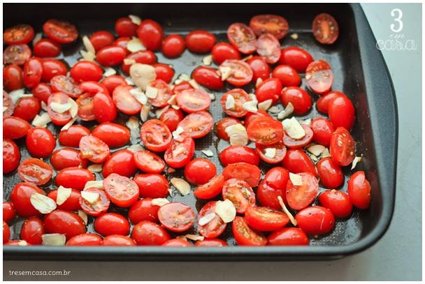 tomate ao forno com alho e azeite