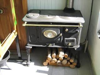 La cocina economica cosas viejas for Cocinas economicas a gas