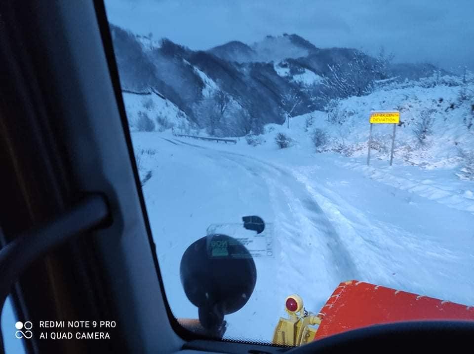 Ντύθηκε στα λευκά η ορεινή Ξάνθη – Χωρίς προβλήματα η κυκλοφορία