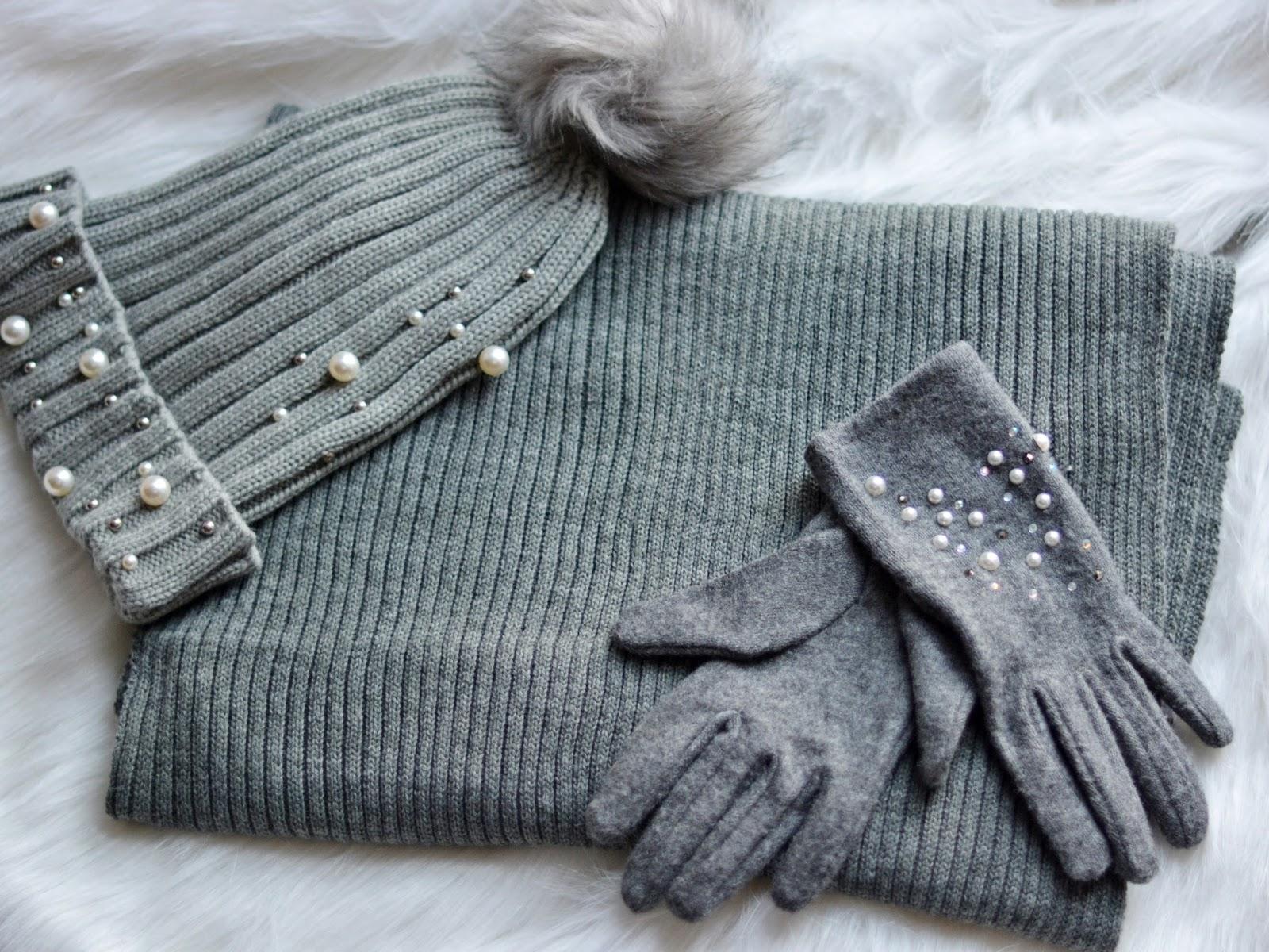 jak nosić ubrania z perełkami