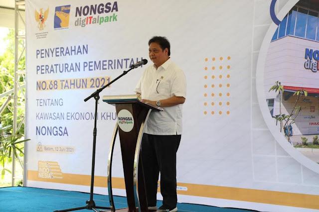 PP KEK BAT dan PP KEK Nongsa Diserahkan Oleh Menteri Koordinator Bidang Perekonomian RI
