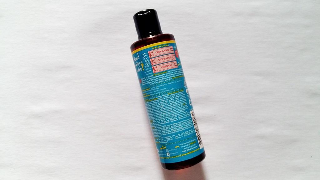 fa23b6d05 Existem algumas formas de usar o óleo de reconstrução  aplicar o produto no  cabelo
