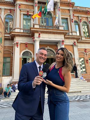 André Haar e Mônica Fonseca (Foto: Divulgação/SBT)