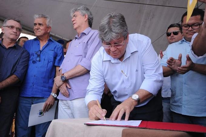 NESTA QUARTA: Nesta quarta Ricardo e João Azevêdo participam de reunião de governadores do Nordeste para agenda com Bolsonaro.