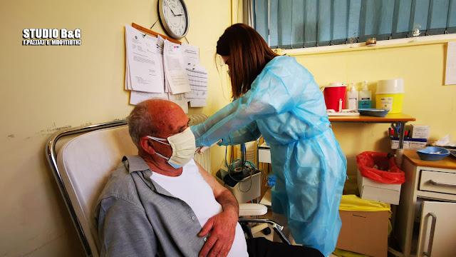 Άνοιξε η πλατφόρμα των ραντεβού για εμβολιασμό της ηλικιακής ομάδας των 65-69