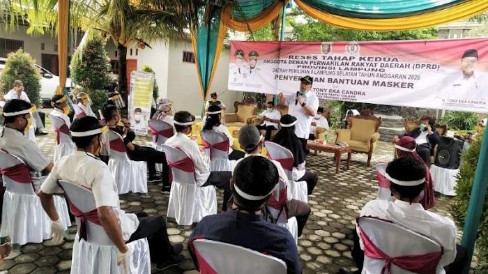 Warga Lamsel Keluhkan Turunnya Harga Hasil Pertanian ke Ketua Komisi IV DPRD Lampung