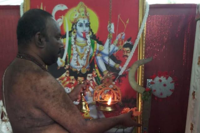 Beralih Iman, Pendeta Hindu di India Sembah Dewi Virus Corona