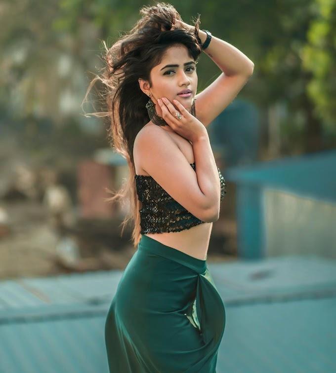 Nisha Guragain (TikTok Star) Hot Images – HD Wallpapers