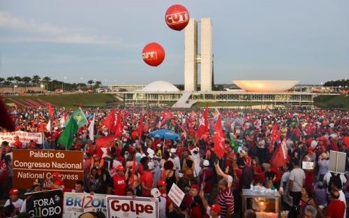 Manifestação em Brasília em 31/03/2016