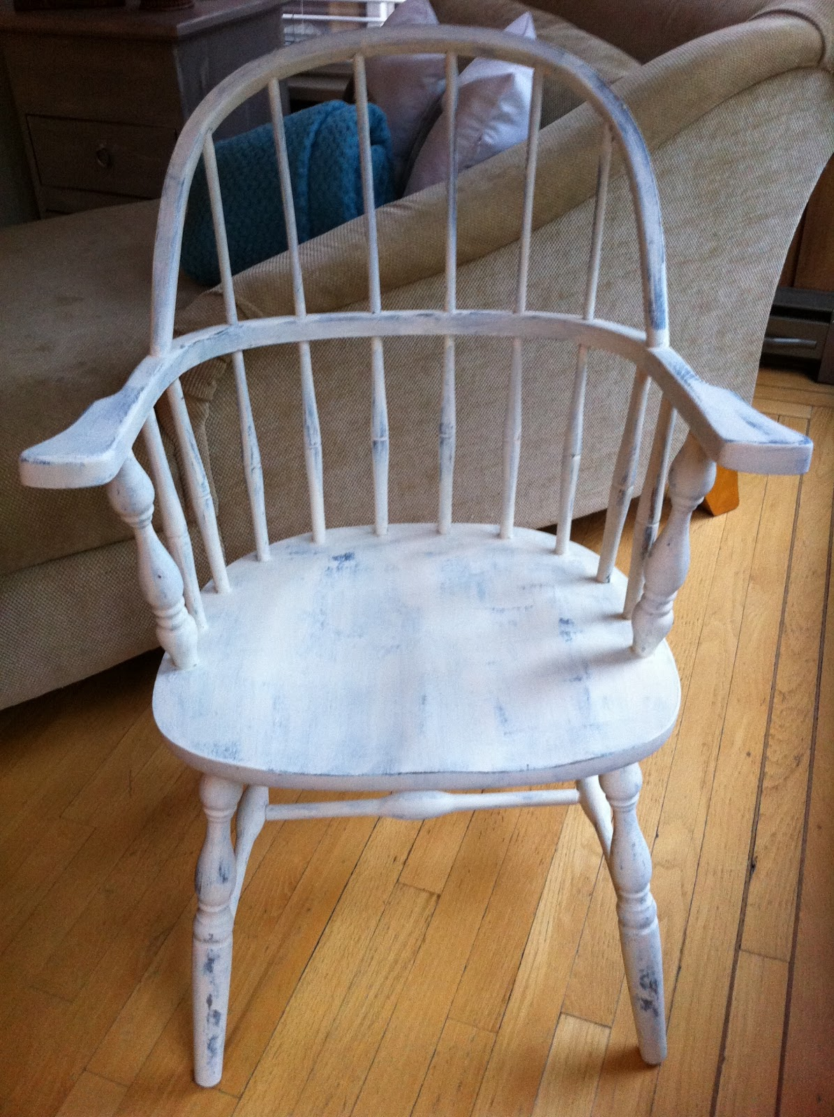 CondensedLoveHome: Painted Chairs!