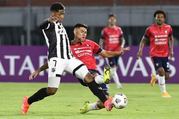 Ceará perde para Jorge Wilstermann e é eliminado da Copa Sul-Americana