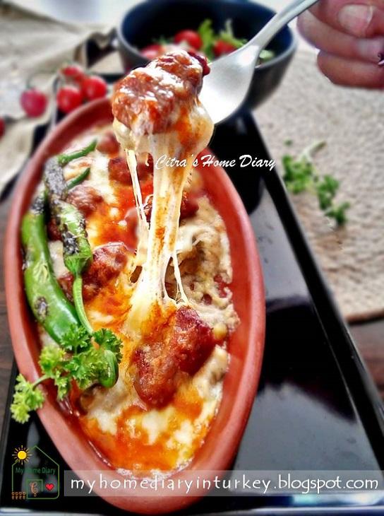 ırında Beğendili Köfte / Turkish Meatball Kofta with Cheesy Ember-Roasted Aubergine | Çitra's Home Diary