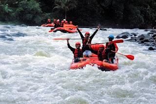 peserta rafting cianten bogor