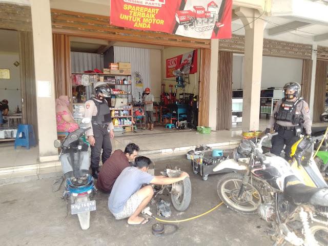 Satsabhara Polres Bartim Patroli dan Himbau Protkes di Bengkel Warga