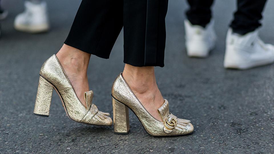 gold metallic gucci mules streetstyle