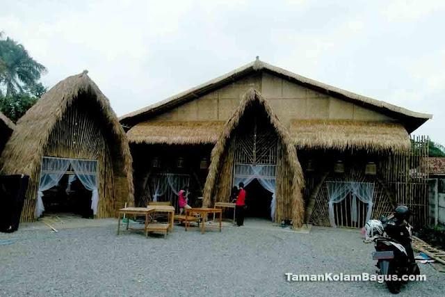 Saung Bambu Atap Ilalang