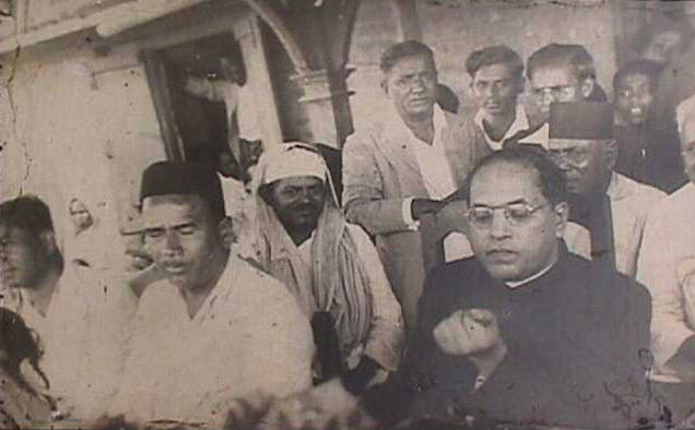 Kalaram Mandir Satyagraha at Nashik that ran from 1930 to 1935. From left are Kramer Dadasaheb Gaikwad, Mr. Apprasaheb Gaikwad, and Dr. Ambedkar with other prominent social workers