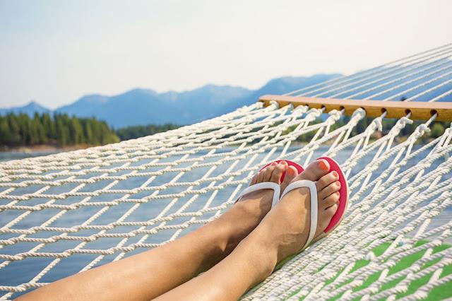14 способов легче переносить летнюю жару и справиться с отеками, головными болями и общей слабостью