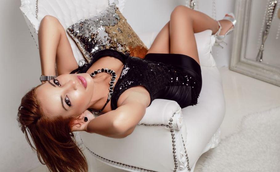 JoyfulAdalyn Model GlamourCams