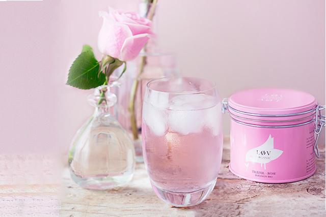 """les bienfaits du tilleul infusion de tilleul rose lov organic boite rose en m""""tal pour le thé , vanessa lekpa"""