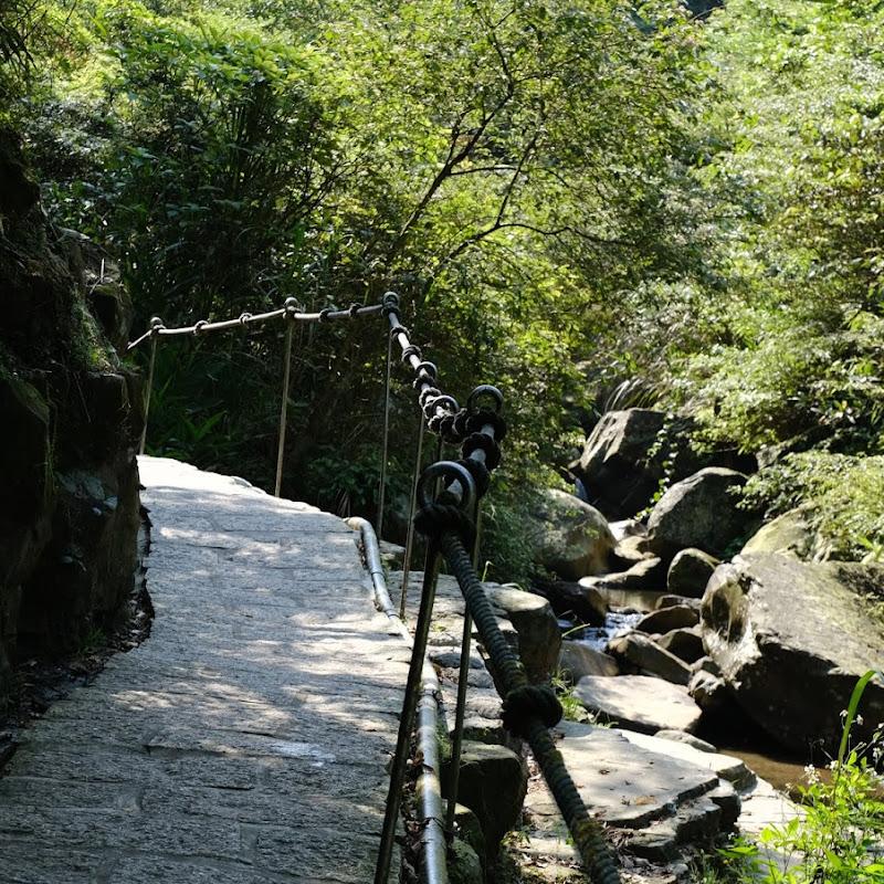 姜子寮瀑布小散策