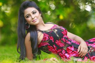 Actress Subiksha Glam Picture Session 003.jpg