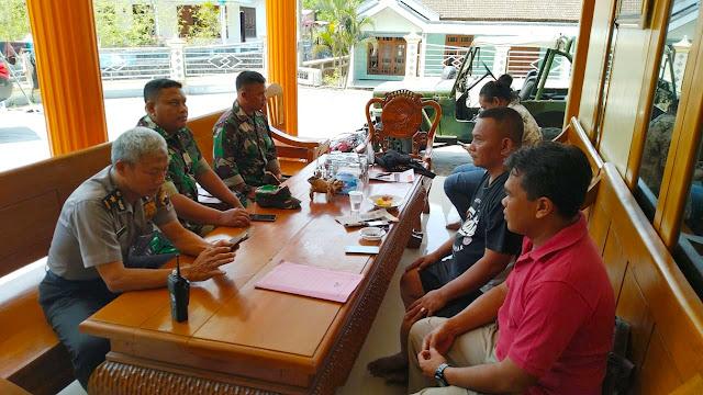 Kodim Karanganyar - Upaya Cipta Kondisi Wilayah Babinsa Karangpandan Silahturahmi Dirumah Ketua PSHT