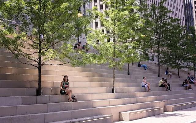 chicago riverwalk stairs