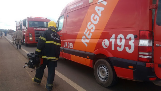 Motorista fica preso às ferragens após acidente na BR 364 em Ariquemes