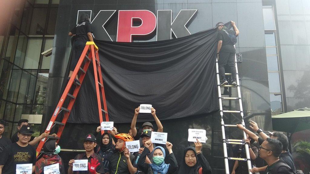"""Terungkap! 75 Orang yang Gagal TWK Ternyata """"Pengritik Terdepan"""" Revisi UU KPK"""