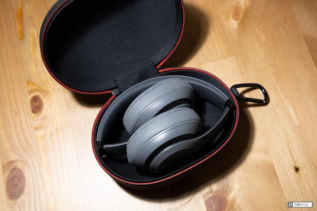 【開箱】幾乎無懈可擊的 Beats Studio3 Wireless 抗噪藍牙耳機 - 最後選擇比較百搭的灰色