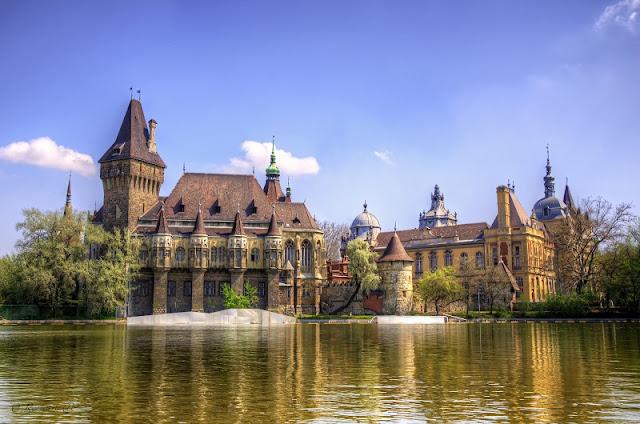 Praça dos Heróis e Parque da cidade de Budapeste