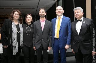 Η Μπέττυ Λεωτσάκου, η Λευκοθέα Τουρτόγλου, ο Βαγγέλης Αυγουλάς, ο Πάνος Συνοδινός και ο Κυβερνήτης των Lions κος Κρητικός