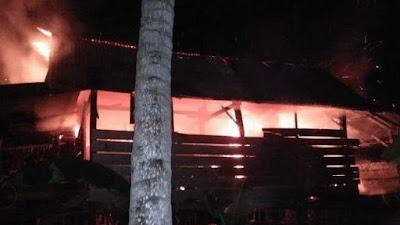 Rumah Panggung Warga di Bone Terbakar, Korban Rugi Puluhan Juta