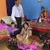 भारतीय स्टेट बैंक ने महिला स्वयं सहायता समूहों को दिया मास्क बनाने के लिए कपडा, ग्रामीण को वितरित किया सेनिटाइजर
