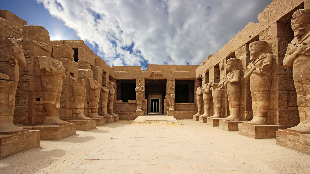 complejo religioso en los templos egipcios