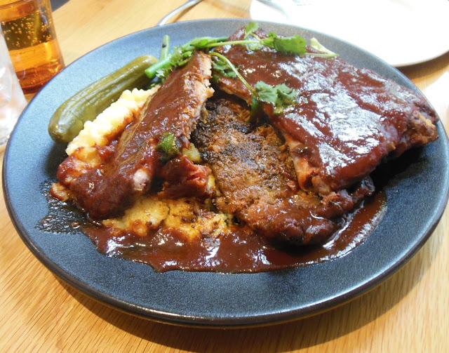 American Hotel, Echuca, smoked pork ribs