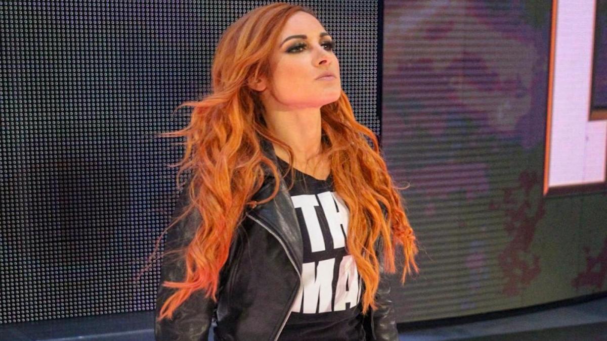 Becky Lynch menciona Conor McGregor em programa da WWE