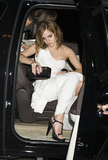 Picture of Jacqueline Luesby's daughter Emma coming out of car