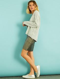 http://www.kiabi.com/jupe-courte-en-simili-metallise-femme-gris-fonce-metallise_P517915C517917