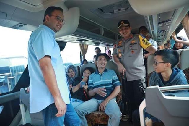 Saat Harga Tiket Mahal, Anies Gulirkan Mudik Gratis Untuk Warga Jakarta