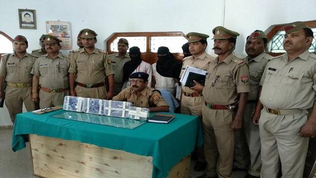 कुशीनगर : अबैध हथियार सहित तीन संदिग्ध अपराधी गिरफ्तार