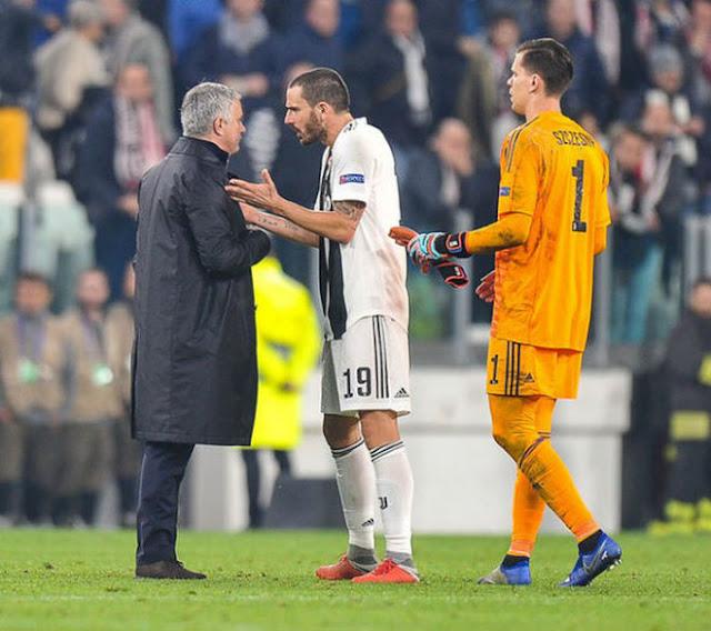 """Mourinho 5 lần thô lỗ gây sốc: """"Miệt thị"""" Ronaldo & móc mắt ở Siêu kinh điển 5"""