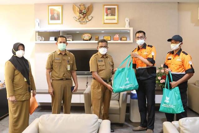 Baznas Kepri Berikan Bantuan 100 Paket Sembako ke Pemko Batam Untuk Masyarakat Yang Terdampak Covid-19