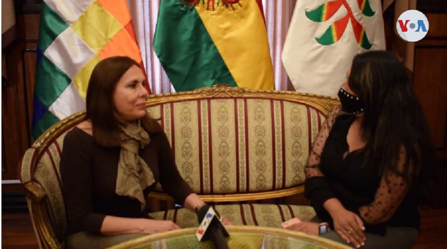 La ministra de RREE en entrevista con VOA Noticias en La Paz / VOA