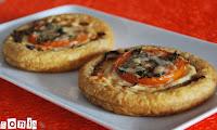 Tartaleta-de-cebolla-tomate-y-queso